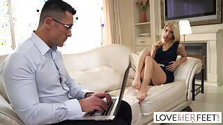 Missy Luv gives her dads colleague a stellar footjob