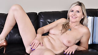 Canadian milf Velvet Skye pleasures her gorgeous body